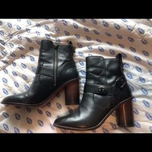 COACH MOTO HEELED BOOTIES sz. 8.5